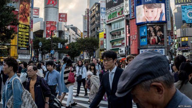 渋谷駅前の交差点は東京で最も有名な場所の一つだ