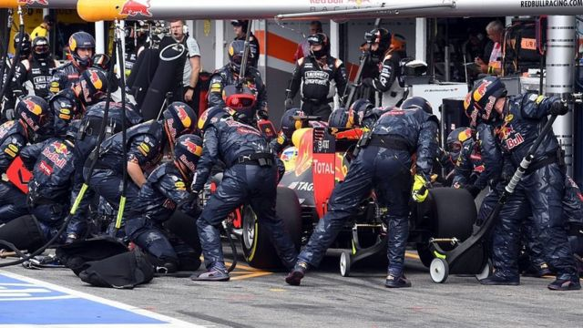 Los pits del equipo Red Bull