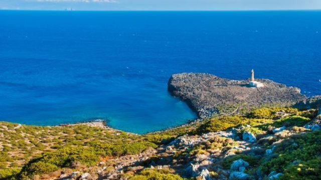 تشكل هذه الجزيرة بقعة مثالية لدراسة ظاهرة التغير المناخي بحكم وقوعها في نقطة التقاء ثلاثة بحار