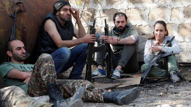 アルメニアとアゼルバイジャンが停戦合意 ロシアが仲介 - BBCニュース