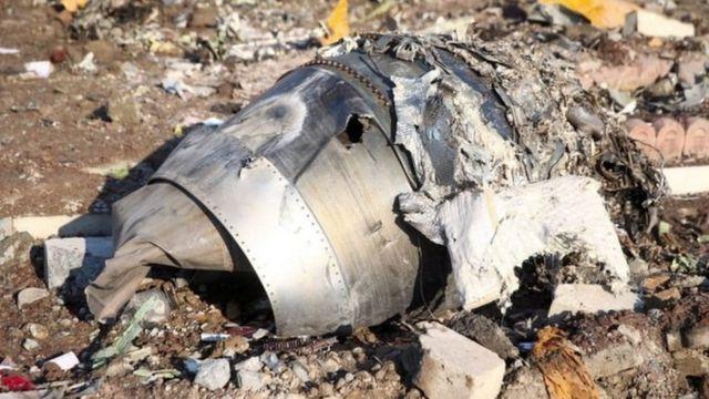 """ایران بعد از سه روز انکار، سرانجام اذعان کرد که پدافند سپاه پاسداران """"به خاطر خطای انسانی"""" این هواپیما را هدف قرار داده و سرنگون کرده است"""