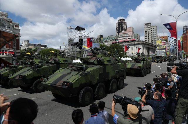 """参加台北""""双十节""""阅兵的台湾军车"""