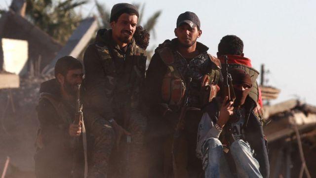 """تركيا تعتبر وحدات حماية الشعب الكردية """"إرهابية"""""""
