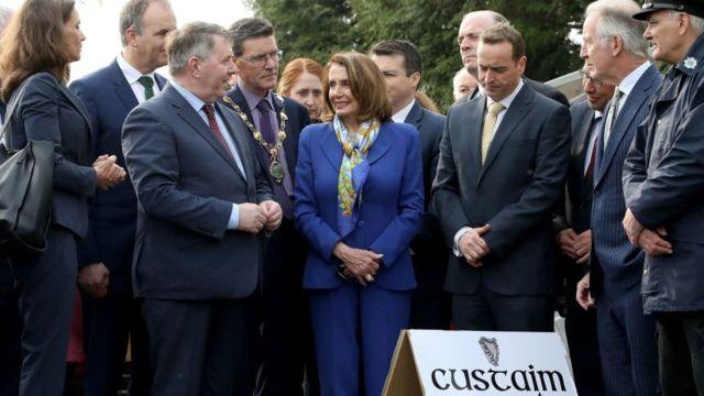 Нэнси Пелоси на пока что не видимой ирландской границе
