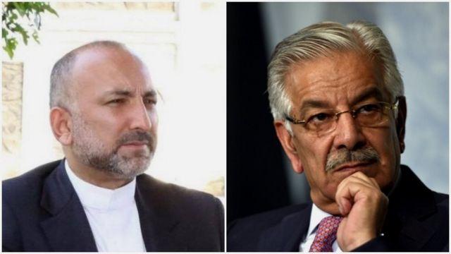 خواجه محمد آصف، وزیر خارجه پاکستان (راست) و حنیف اتمر، مشاور امنیت ملی افغانستان