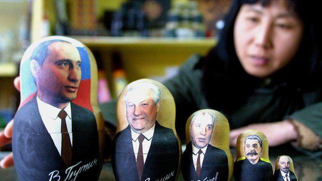 Matryoshkha com Putin e antecessores