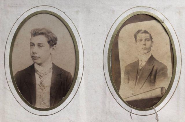 Dilermando de Assis, à esquerda, e o irmão, Dinorah de Assis, à direita