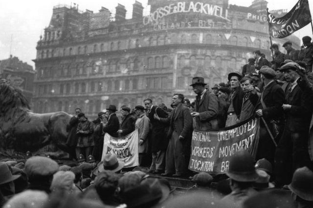 1930年代大萧条,伦敦特拉法加广场游行集会的失业工人