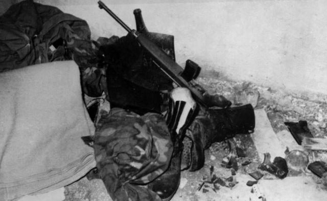 米尼切罗的迷彩服和枪支弹药