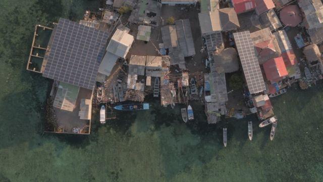 Paneles solares en Santa Cruz del Islote.