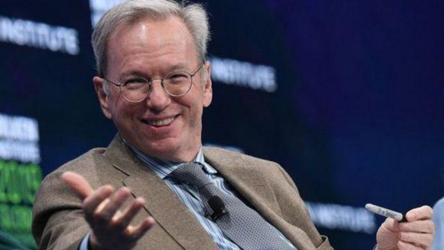 """Tiến sĩ Schmidt nói rằng Hoa Kỳ cần """"vừa hợp tác đồng thời cạnh tranh với Trung Quốc""""."""