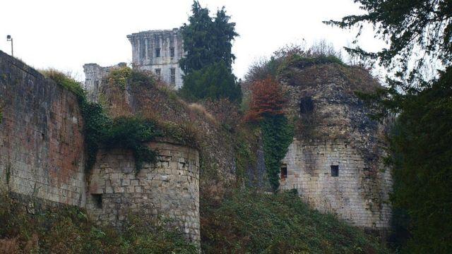 Замок Танкарвиль