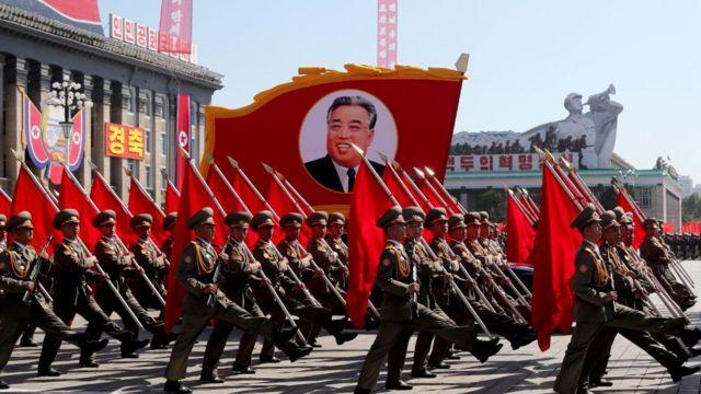 Desfile en Corea del Norte para celebrar el 70 aniversario de su fundación