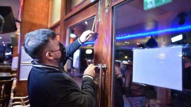 Covid 19 Lockdown Kedua Mulai Diberlakukan Di Inggris Pm Boris Johnson Sebut Jalan Terbaik Dan Paling Aman Bbc News Indonesia
