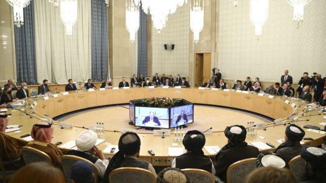 مسکو دو بار میزبان نشست صلح افغانستان، میان رهبران و چهرههای شناختهشده سیاسی افغانستان و هیأتی از طالبان بوده