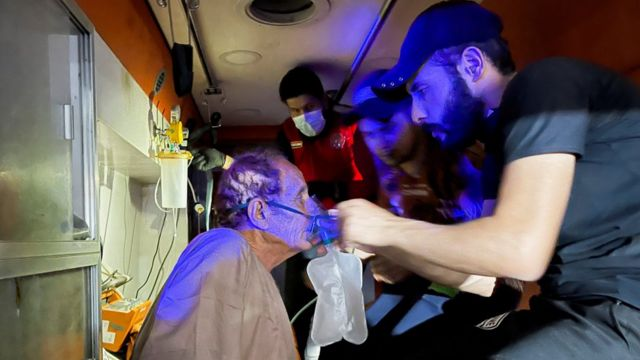 اخلاء مرضى من مستشفى ابن الخطيب