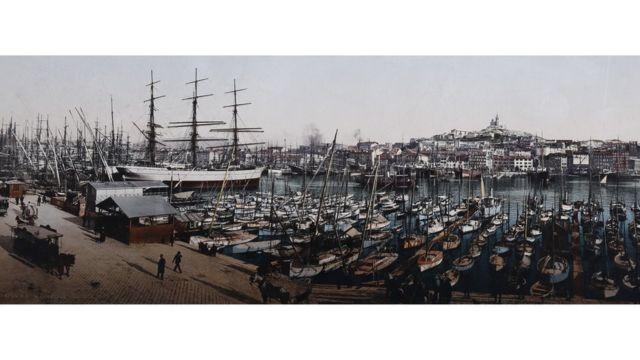 El puerto antiguo de Marsella, Francia, foto tomada entre 1889 y 1911. Swiss Camera Museum Collections