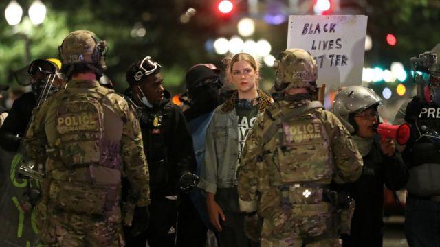 Portland'a sevk edilen federal birlikler eylemlere müdahale ediyor.