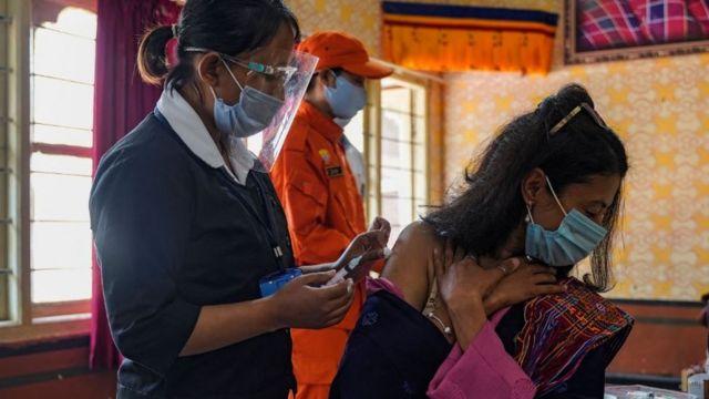 سازمان ملل از کشورهای ثروتمند خواسته تا به کشورهای فقیرتر واکسن اهدا کنند