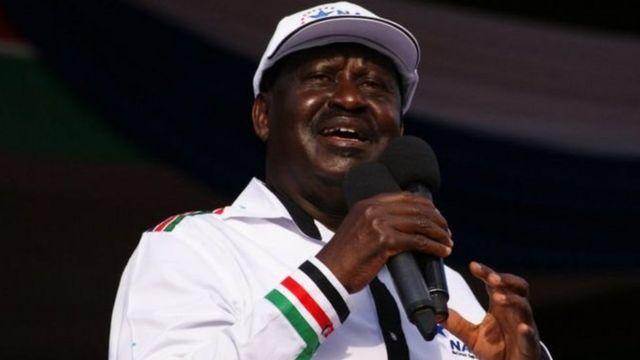 Kiongozi wa upinzani nchini Kenya Raila Odinga amewataka wafuasi wake kutoandamana na badala yake kusalia majumbani mwao siku ya uchaguzi.