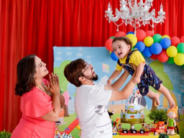 Lucas e seus pais, Jessika e Israel