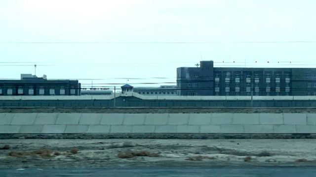 Novo complexo penitenciáio no entorno de Korla, em Xinjiang