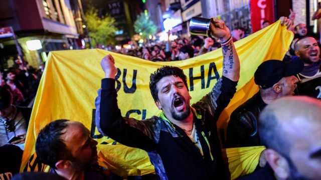 Оппозиция заявила о нарушениях в ходе референдума, которые повлияли на его результаты