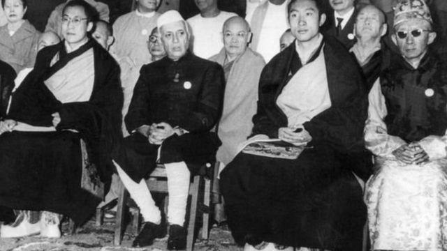 नेहरू और दलाई लामा
