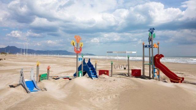 ساحلی توریستی در اسپانیا