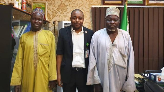 Chairmo Kano State public complaints and anti corruption with two pipo wey dem gbab