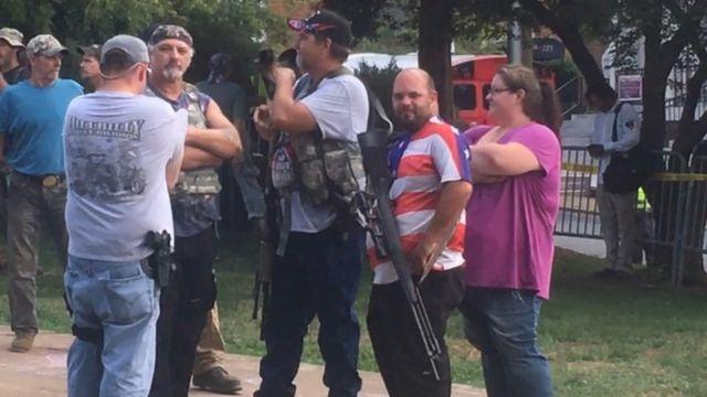 Grupos armados em Charlottesville