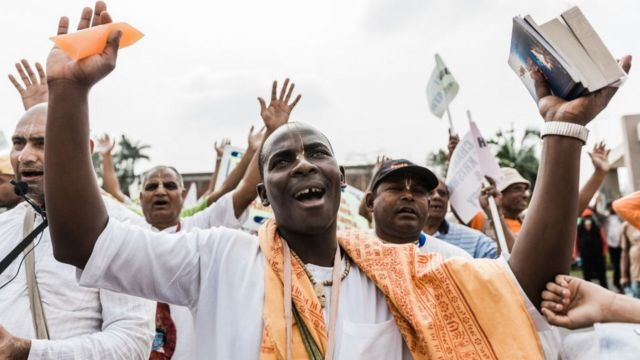 Wasu masu bauta 'yan addinin Hindu suna maci a garin Chatsworth d ake kusa da garin Durban a ranar 2 ga watan Satumba.