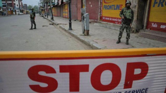 印度新德里正经历为期两周的封锁。