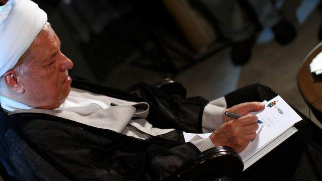 اکبر هاشمی رفسنجانی رییس سابق مجمع تشخیص مصلحت نظام، در سال ۹۲ رد صلاحیت شد.