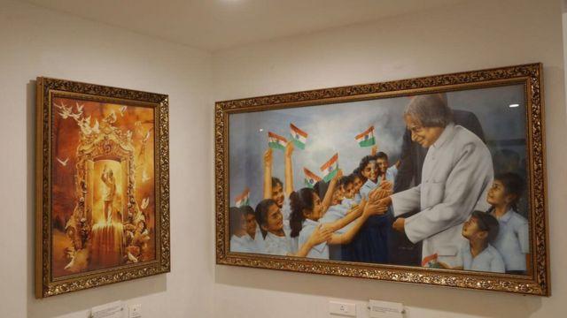 95 கலை படைப்புகள், 2 சிலிக்கான் சிலைகள் 'அசர' வைக்கும் கலாமின் மணிமண்டபம்