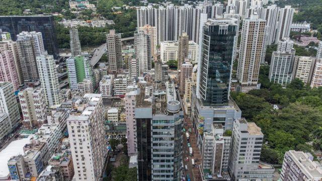 香港的平均的房子价钱,相等于当地人20年的收入。