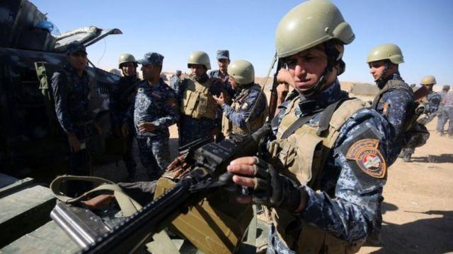 İraq döyüşçüləri Mosul yaxınlığında hücuma hazırlaşır