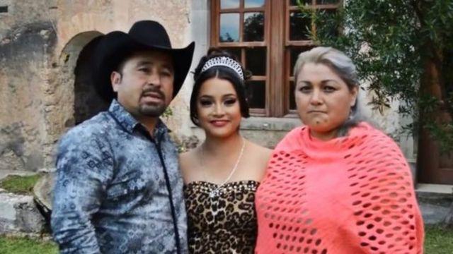 क्रेसेन्सियो इबारा अपनी बेटी रुबी इबारा ग्रेसिया के साथ