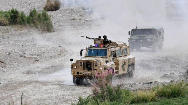 Trung Quốc diễn tập trên bộ cùng Kirgyzstan ở vùng biên giới Tân Cương