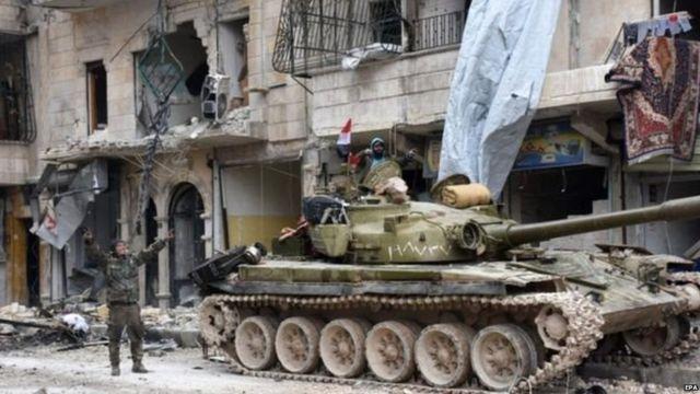 अलेप्पो में सीरियाई टैंक