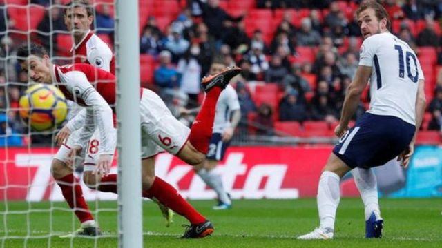 Le but de Harry Kane a hissé les Spurs à la 3e place de la Premier League.