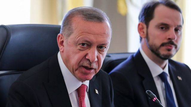 Berat Albayrak'ın istifası sonrası haber merkezlerinde neler yaşandı? - BBC News Türkçe