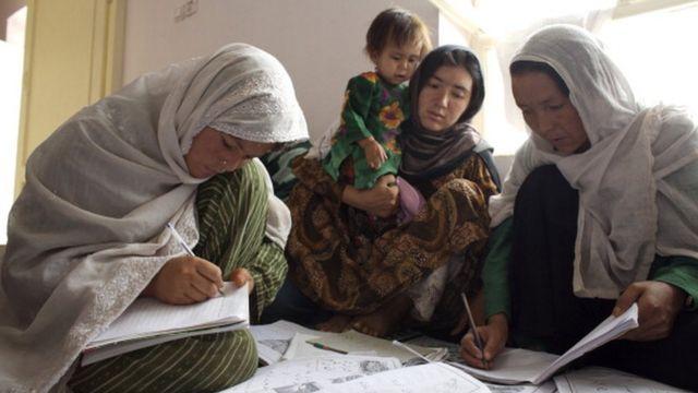 سوادآموزی در مزار شریف