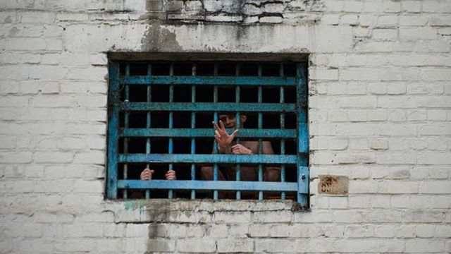 C'est l'une des pires violentes émeutes enregistrées dans les prisons surpeuplées du Brésil