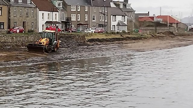 Polluted Fife beaches to reopen after clear-up