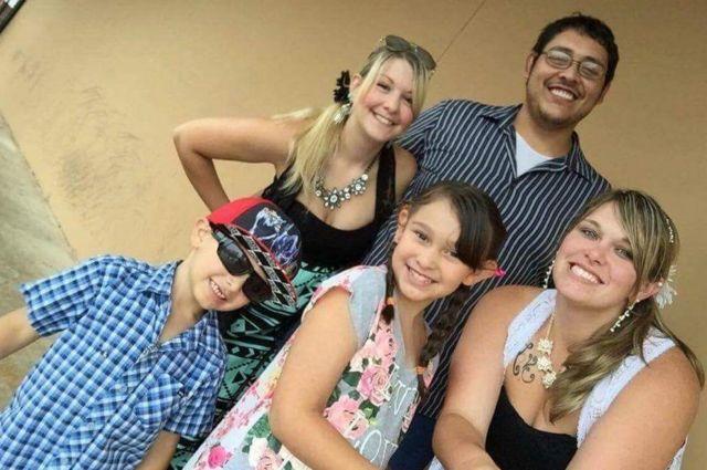 DeAnna, Manny, Melissa James e os filhos Vaneza e Gabriel