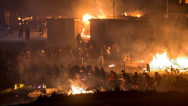 Incendio en el campamento Grande-Synthe