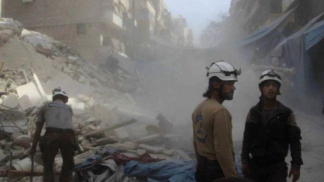 تعرضت حلب لدمار كبير جراء القصف الجوي الروسي