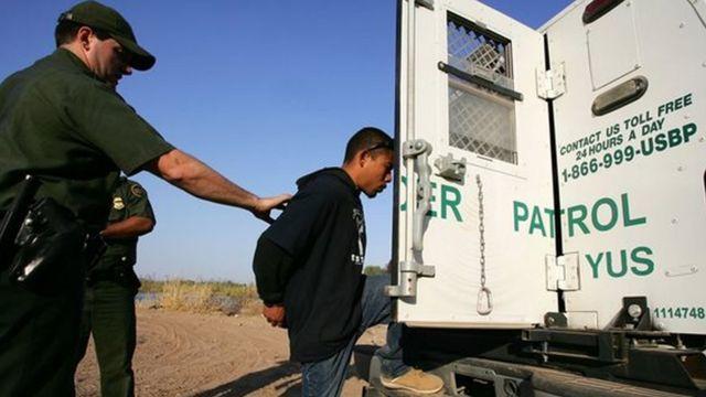 يتوقع الخبير الأمني جون توريس تعزيز إدارة ترامب إجراءات ترحيل المهاجرين