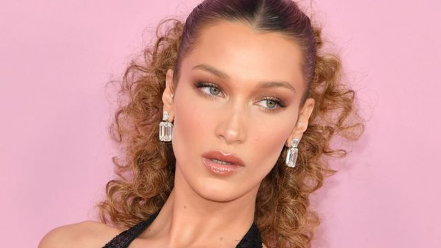 Bella Hadid apologises for 'offensive' photo